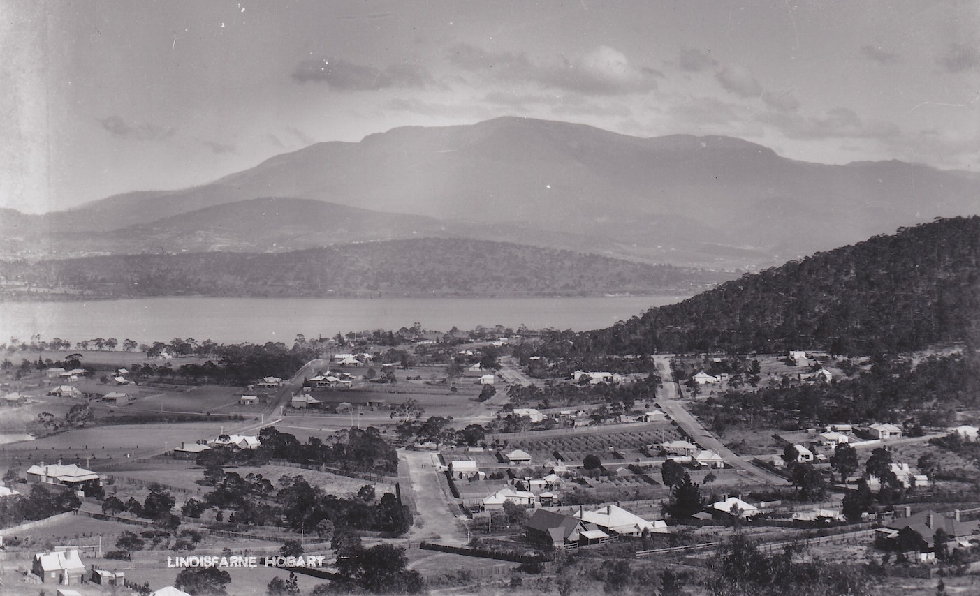 For all who enjoy the history of the Lindisfarne district in southern Tasmania.